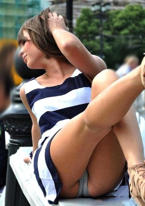 ветер задирает юбки